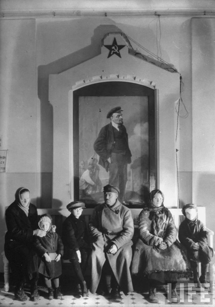 Fotografia de Margareth Bourke-White, Esperando a sua vez (Canto de Lênin), 1931