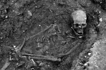 a-dna-study-has-found-with-_99-999-percent_-certainty-that-human-skeletal-remains-found-under-a-car-park-in-leicester-england-in-2012-are-those-of-englands-king-richard-iii